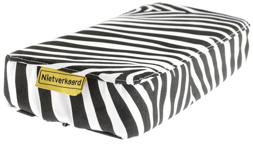 Niet Verkeerd bagagedragerkussen Animal Stripes wit/zwart 32 cm